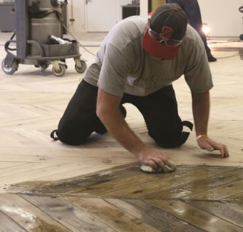 Jobsite checklists can alert crews to custom stains and finishes.