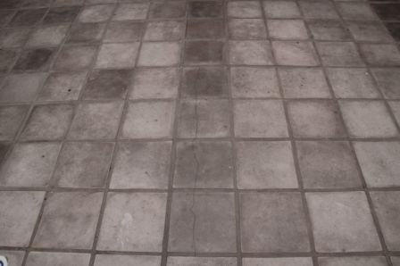 Large and heavy tile mortars are not suitable for leveling a floor.