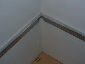 Photo 10: Fitting the inside corner.